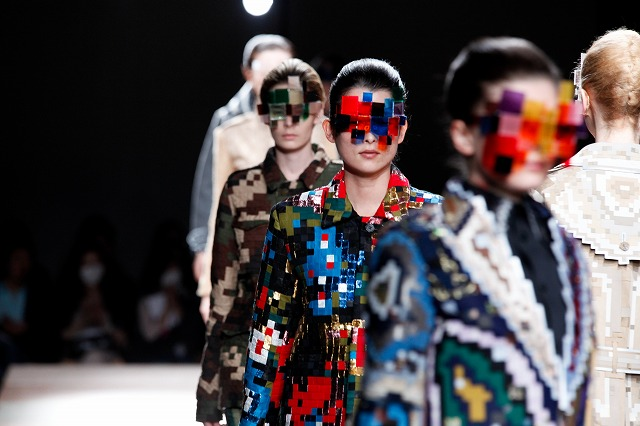 Pixel fashion & design  Anrealage collection