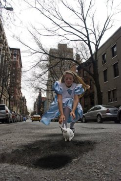 my pot hole chicquero alice in wonderland