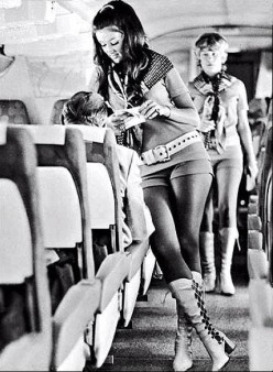 VINTAGE AIR HOSTESSES chicquero