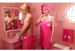 Barbie pink doll house - Dina goldstein - chicquero photography - bathroom mirror