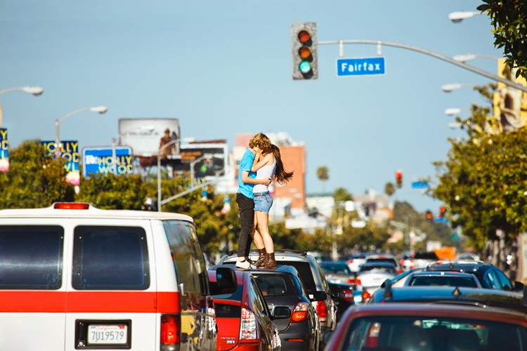 Stay cool summer in Los Angeles California - freedom photography - traffic kiss
