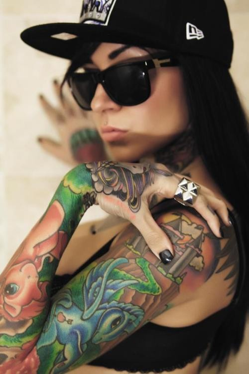 sexy inked girls tattoos tatts - attitude