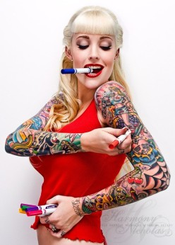 sexy inked girls tattoos tatts - chicquero - paiting arms tattoo