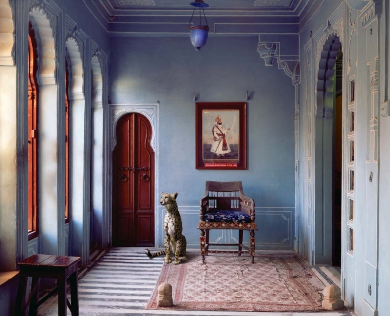 Karen Knorr photography - Animals Chicquero - The-Maharajas-Apartment-Udaipur-City-Palace-Udaipur