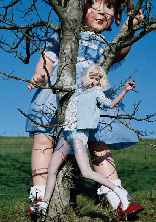 Lindsey Wixson by Tim Walker for Vogue Italia - Fashion dolls - Chicquero dollhouse 12
