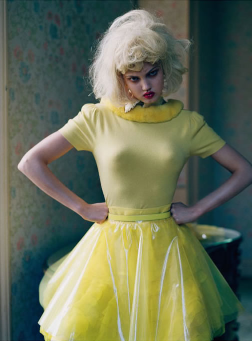Lindsey Wixson by Tim Walker for Vogue Italia - Fashion dolls - Chicquero dollhouse 4