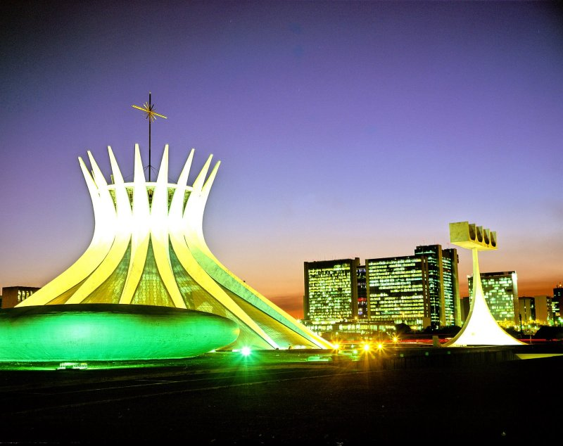 Oscar Niemeyer - Brazilian architect - Chicquero Design - Brasilia Cathedral 5