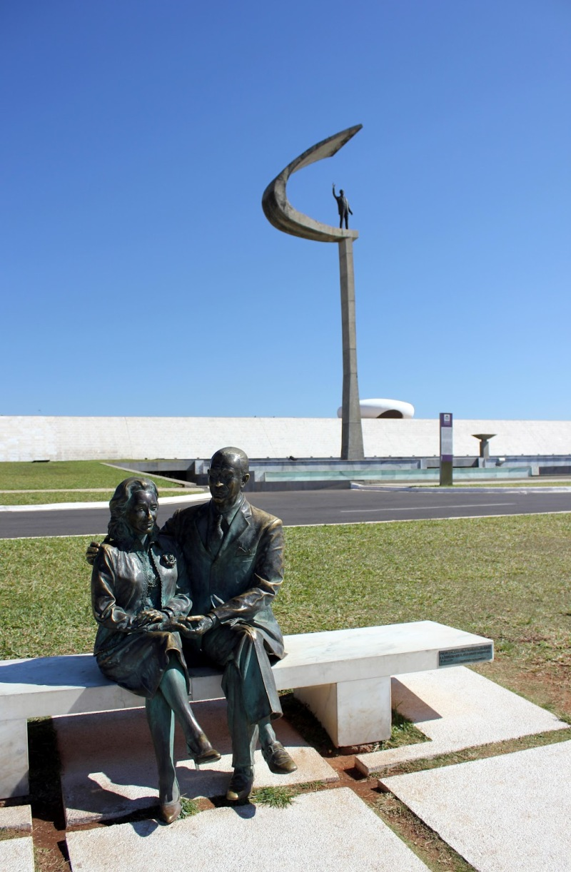 Oscar Niemeyer - Brazilian architect - Chicquero Design - Brasilia JK Memorial 2