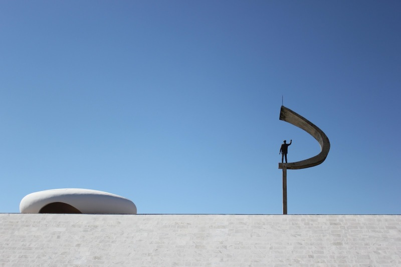 Oscar Niemeyer - Brazilian architect - Chicquero Design - Brasilia JK Memorial