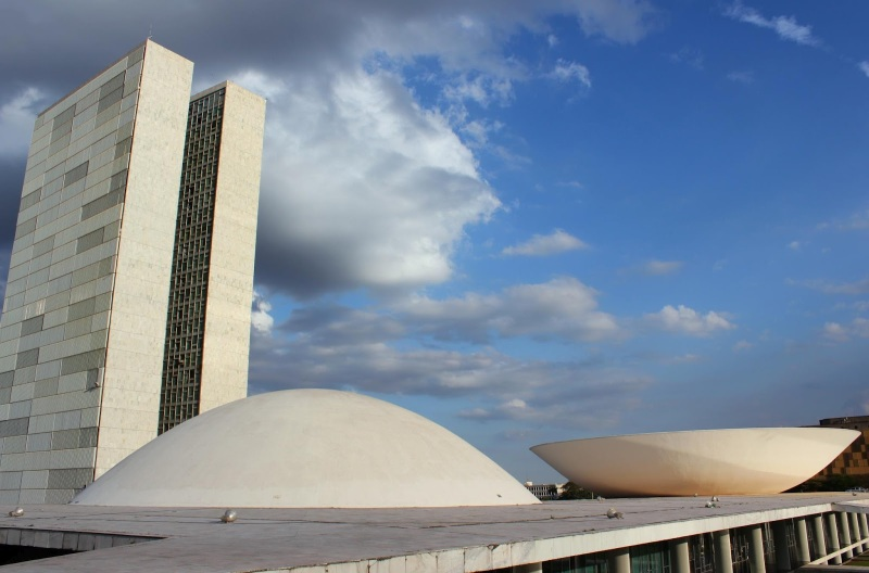 Oscar Niemeyer - Brazilian architect - Chicquero Design - Brasilia National Congress 3