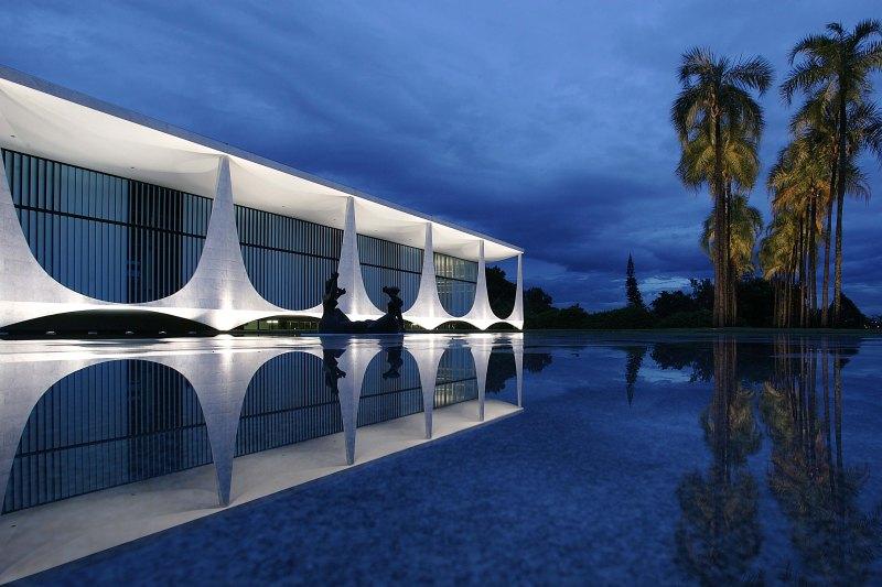 Oscar Niemeyer - Brazilian architect - Chicquero Design - Brasilia Palace of the Dawn 10