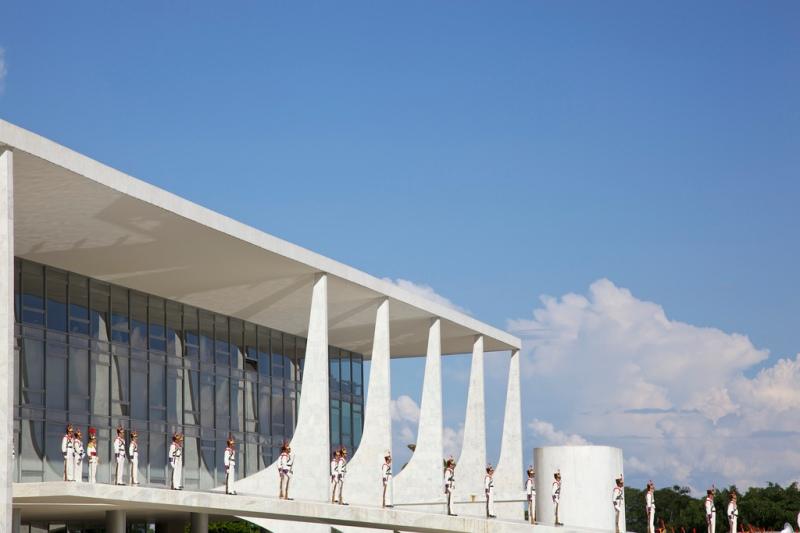 Oscar Niemeyer - Brazilian architect - Chicquero Design - Brasilia Palace of the Dawn 3