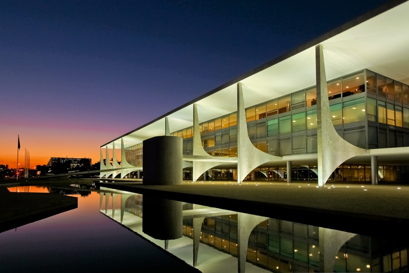 Oscar Niemeyer - Brazilian architect - Chicquero Design - Brasilia Palace of the Dawn 6
