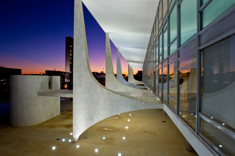 Oscar Niemeyer - Brazilian architect - Chicquero Design - Brasilia Palace of the Dawn 7