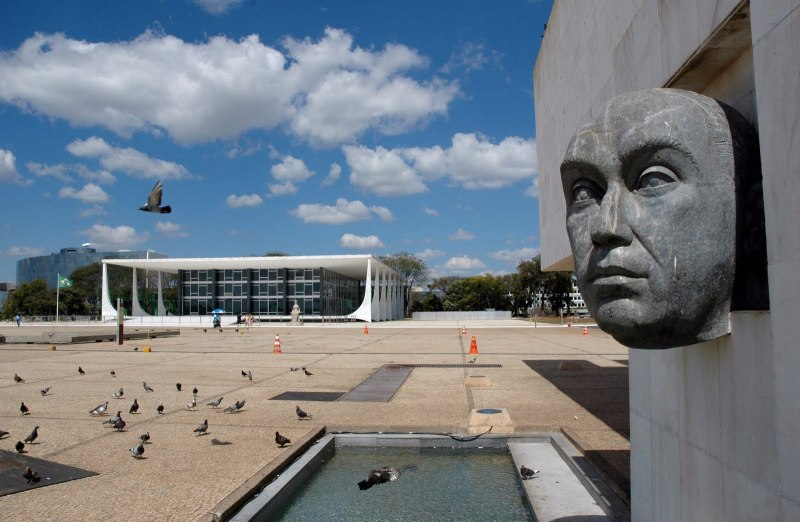 Oscar Niemeyer - Brazilian architect - Chicquero Design - Brasilia Palace of the Dawn 8