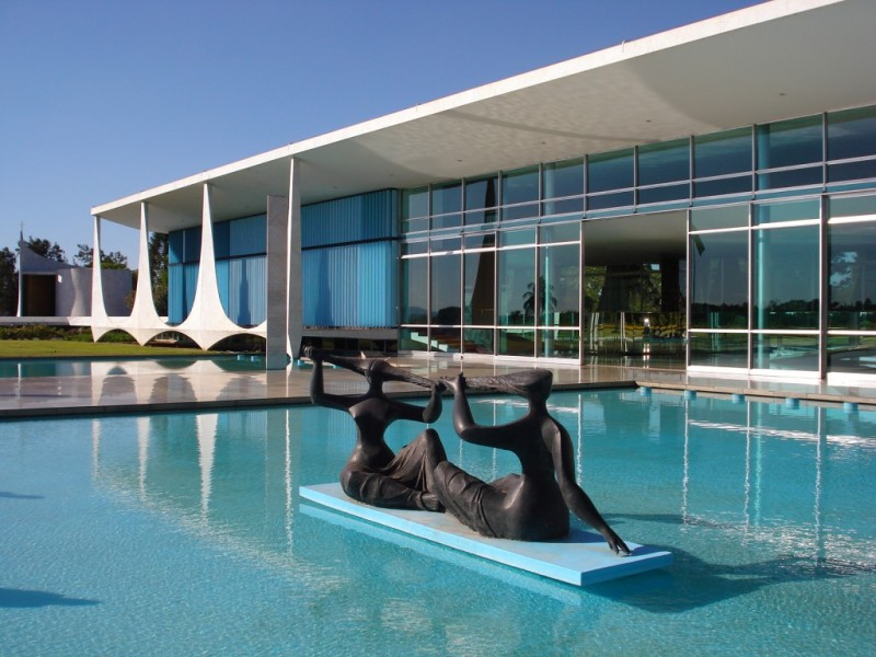 Oscar Niemeyer - Brazilian architect - Chicquero Design - Brasilia Palace of the Dawn