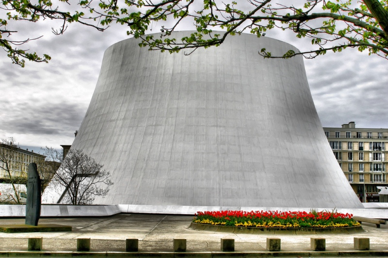 Oscar Niemeyer - Brazilian architect - Chicquero Design - Espace 2