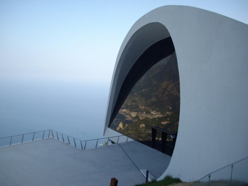 Oscar Niemeyer - Brazilian architect - Chicquero Design - italy auditorium ravello 2