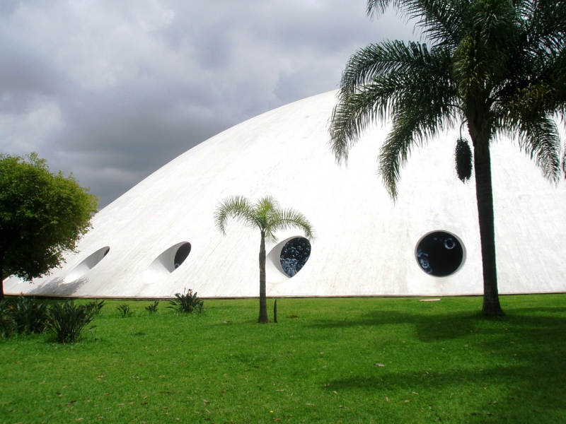 Oscar Niemeyer - Brazilian architect - Chicquero Design - Sao Paulo Ibirapuera
