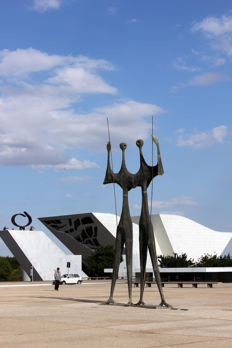 Oscar Niemeyer - Brazilian architect - Chicquero Design - three powers park
