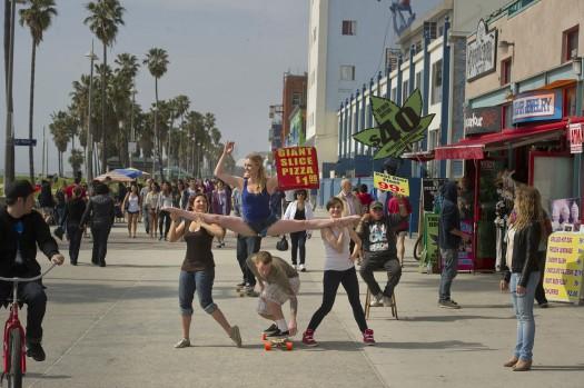 Dancers among us  chicquero photography - dance Kayla_Radomski_on_Venice_Beach_Dancers_Among_Us33