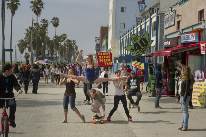 Dancers among us  chicquero photography - dance Kayla_Radomski_on_Venice_Beach_Dancers_Among_Us33