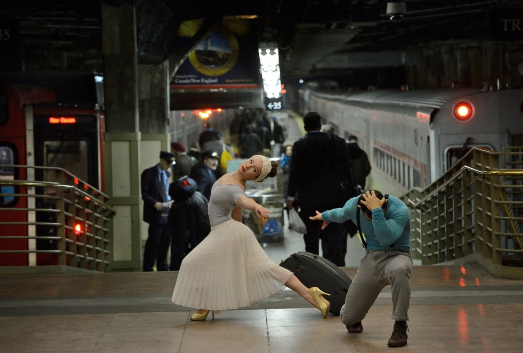 Dancers_Among_Us  chicquero photography - dance _Grand_Central_Station_Orlando_Martinez_SarahSadie_Newett-