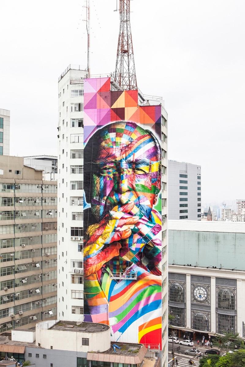 01 Eduardo Kobra painter - urban street art chicquero -  Mural brazil